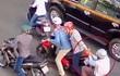Nữ du khách Hàn Quốc ngã nhào vì bị giật túi ở Sài Gòn