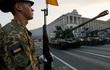 """Mỹ biến Ukraine thành """"siêu thị vũ khí bất hợp pháp"""""""