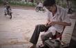 Gặp 'bác sĩ' chữa hộp quẹt cổ giữa đất Sài thành suốt 30 năm