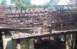 Hàng chục người dập lửa, giải cứu gia chủ trong căn nhà cháy