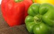 Đơn giản không ngờ nhưng nhiều người không biết: vì sao ớt chuông xanh luôn rẻ hơn ớt chuông vàng và đỏ?