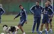 Messi dính chấn thương, bỏ buổi tập cùng ĐT Argentina