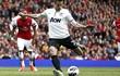 Có vé Champions League, Arsenal vẫn đau khổ trước Man United
