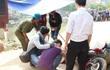 Tình nguyện viên về vùng lũ giúp dân bị xe tải cán tử vong
