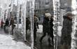 """Những hình ảnh lạnh run người trong """"mùa Đông chết người"""" ở châu Âu"""