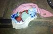 Đi qua bờ suối phát hiện bé gái sơ sinh bị bỏ rơi còn nguyên dây rốn