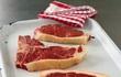 Nguy hại khôn lường từ ăn thịt tái sống