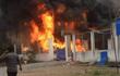 TP HCM: Cháy kho phế liệu rộng hàng trăm mét vuông trong khu dân cư