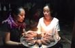 """Bánh sinh nhật """"độc nhất vô nhị"""" của Hoa hậu Đỗ Mỹ Linh tại vùng lũ"""