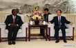 """Tổng thống Zimbabwe Mugabe từ chức, Trung Quốc càng """"được mùa""""?"""
