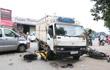 Xe tải gây tai nạn liên hoàn, đôi nam nữ nguy kịch