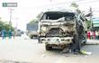 Ba xe tải và xe ben tông nhau rồi lao và nhà dân, 5 người nguy kịch