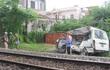 Phú Yên: Tàu hỏa tông ô-tô, kéo lê 200m