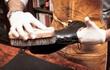 Số nợ trăm triệu và cái chết ám ảnh thợ đánh giày phố cổ