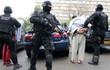 Cảnh sát viên Paris bắn chết 3 người trước khi tự sát