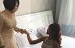 Má Năm nổi tiếng khó tính đã nói gì với Khởi My và Kelvin Khánh trong ngày hạnh phúc?
