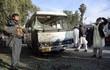 """Reuters: Đang thất thế, IS chuyển sang chặt đầu """"người nhà"""""""
