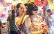 Phố Hàng Mã mùa Trung thu, một mét vuông cả chục hot girl khoe sắc
