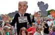 """Biển người phản đối Trump """"lật"""" chính sách môi trường của Obama"""