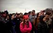 Chiếc mũ đỏ, nước mắt người Mỹ và câu chuyện của kinh tế Việt Nam