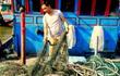Sau Quảng Trị đến lượt ngư dân Quảng Bình dính 'bùn lạ'
