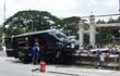 Ôtô Limousine lao lên dải phân cách bốc cháy, nhiều người thoát chết