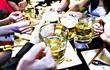 Bộ Y tế đề xuất không bán rượu bia tại quán karaoke, và cho người dưới 18 tuổi