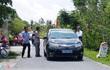 Xe biển xanh xuất hiện ở lễ khánh thành phủ đường cha mẹ lãnh đạo tỉnh