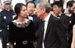 Bất chấp dư luận, 'chàng 57, nàng 35' ngày càng mặn nồng trên thảm đỏ Cannes 2017