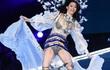 Cú ngã của siêu mẫu Ming Xi tại sàn diễn Victoria's Secret đau đớn và đáng sợ thế nào