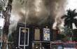 Hà Nội: Quán karaoke lớn chìm trong khói lửa ở Linh Đàm