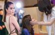Mỹ Tâm vuốt má Thu Minh, Ngọc Trinh khoe thân hình nóng bỏng