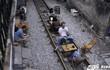 Quán cà phê trên đường tàu ở Hà Nội gây tò mò, trưởng công an phường nói gì?