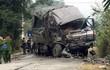 Xe tải đấu đầu, 2 người tử vong