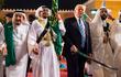 """Vụ Jerusalem: Ông Trump trao """"quà"""" cho Iran, dồn cả thế giới Ả Rập vào chân tường"""