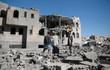 Liên quân Saudi dồn dập không kích, tù nhân bị giam cầm tuyệt vọng chờ chết ở thủ đô Yemen