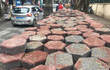 Gạch block 'tái xuất' trên vỉa hè Hà Nội sau khi dừng lát đá