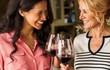 Tại sao một số người cứ uống rượu là mặt đỏ? Có nguy hiểm không?