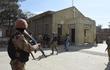 Đánh bom tự sát vào nhà thờ Công giáo có hơn 400 tín đồ ở Pakistan