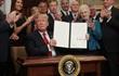 Tổng thống Mỹ Donald Trump tuyên bố loại bỏ Obamacare