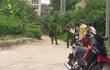 Hà Nội: Nam thanh niên đang đi xe máy ngã vật xuống đường tử vong
