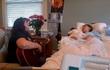 Video khiến hàng triệu người rơi nước mắt: Mẹ gảy đàn hát vĩnh biệt con hấp hối vì ung thư