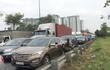 Kẹt xe 4 giờ ở đường dẫn vào cao tốc Long Thành