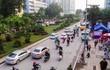 Bắt đầu dời cây, xén dải phân cách ở đường đẹp nhất Hà Nội
