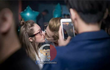 """Phí Ngọc Hưng vừa lộ ảnh hôn cô gái lạ dù đã được tỏ tình ở """"Vì yêu mà đến"""""""