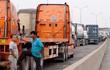 Chùm ảnh: Kẹt xe kinh hoàng ở cảng Cát Lái