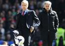 Đứng cạnh Mourinho, Wenger chỉ là gã hà tiện lỗi thời