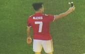 """Sanchez mặc áo số 7, """"tự sướng"""" ngay khi vừa thành người Man United"""