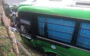 """CSGT huyện Di Linh: Củng cố hồ sơ xử lý người tung tin """"anh hùng nhảy lên vô lăng"""" cứu 30 hành khách"""