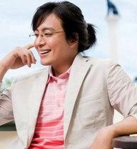 """""""Ông hoàng Hallyu"""" Bae Yon Joon lần đầu cầm mic"""
